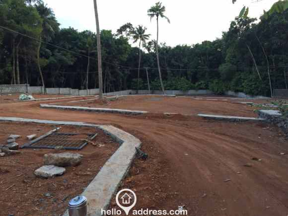 Residential Land for Sale in Ernakulam, Kakkanad, Pukkattupady