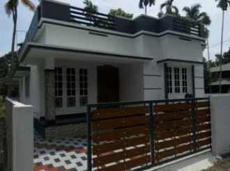 Residential House/Villa for Sale in Ernakulam, Aluva, Aluva, Thattampady