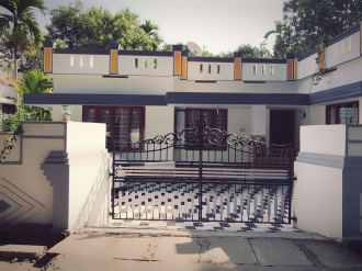 Residential House/Villa for Sale in Ernakulam, Aluva, Manakkapady, Karumaloor