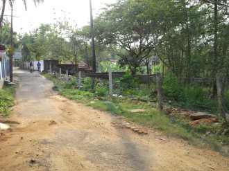 Residential Land for Sale in Palakad, Vadakkencherry, Vadakkencherry, Amakkulam, nearerer to Nas Plaza&car Beauty.