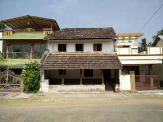 Residential Land for Sale in Palakad, Palakkad, Ramanadhapuram, Main Street