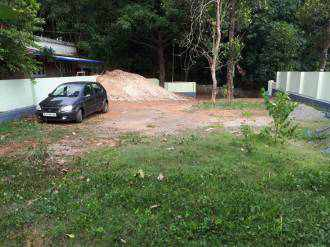 Residential Land for Sale in Ernakulam, Ernakulam town, Edapally, Pallikara
